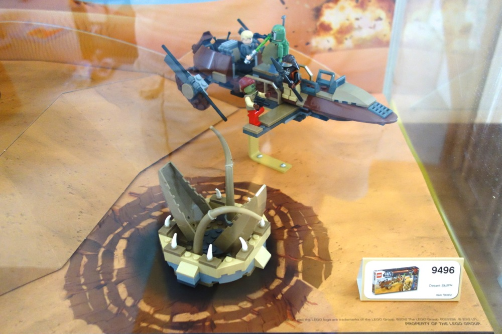 Store Display for LEGO Jabba's Palace, Desert Skiff and