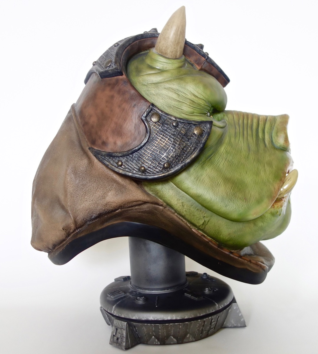 Life-Size Gamorrean Guard Bust by Sideshow Collectibles | Mighty