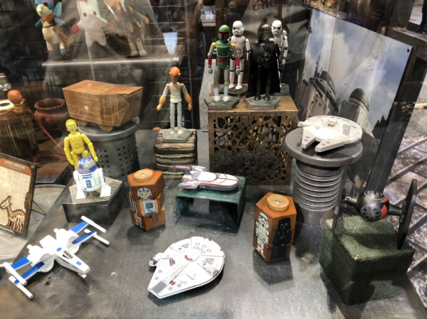 kowakian-monkey-lizards-dejarik-board-game-and-more-star-wars-galaxys-edge-merchandise-on-display-at-star-wars-celebration-chicago-11